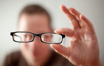 Viễn thị – Nguyên nhân và cách phòng tránh