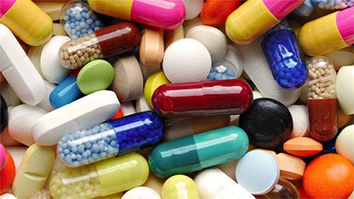 Dùng thuốc kháng sinh 1