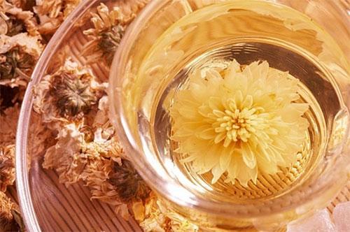 3, Sử dụng trà hoa cúc 1