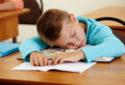 5 thói quen đọc sách gây hại cho mắt