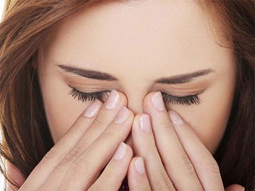 Nguyên nhân gây ngứa khóe mắt 1