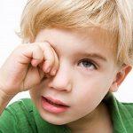 Viêm kết mạc dị ứng có chữa được không?